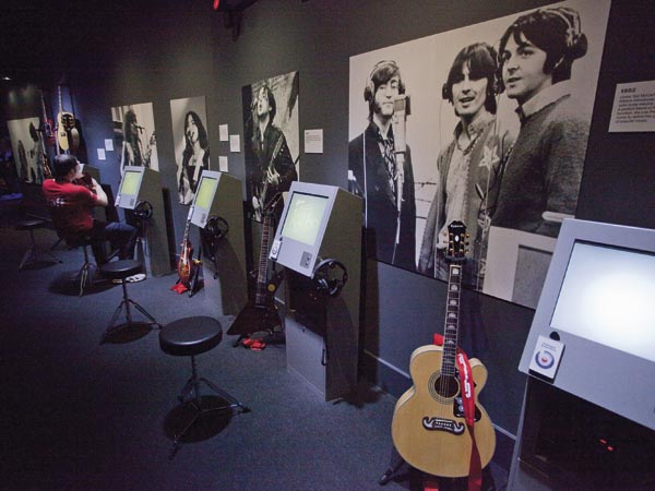 must see sights in London - The British Music Experience