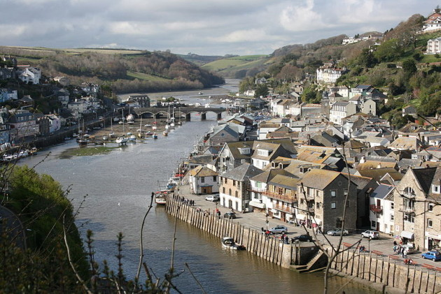 800px-East_Looe_River,_Cornwall_-_geograph.org.uk_-_1909483