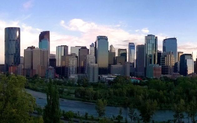 Calgary_Skyline_2015_3